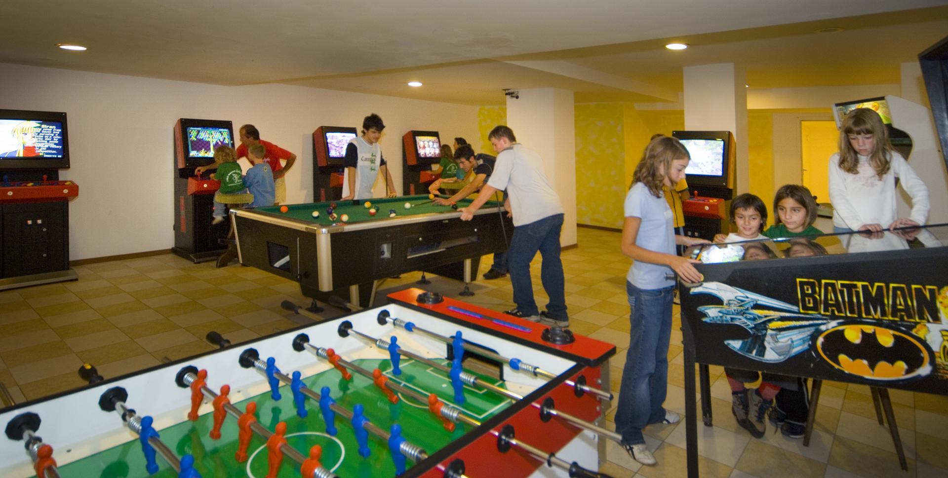 Sala Giochi Per Bambini : Per i bambini carlo magno hotel madonna di campiglio it
